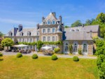 Delightful Château estate with equestrian facilities on 14-hectares