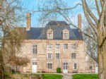Beautiful 17th century chateau. Completely renovated, prepared B&B - near Bayeux