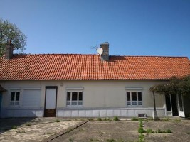 Large, 3 bedroom family home with outbuildings, Hesdin.