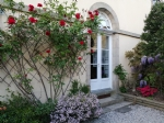 Dinan - historic city center - beautiful apartment with private courtyard and se