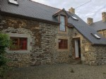 Sougeal: pretty 2 bed stone cottage - recently refurbished perfect lock up and l
