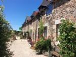Close to jugon les lacs. a beautiful longere, 5 bedrooms, gite, outbuildings, ma