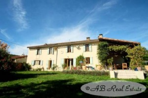 Charming stone farm house from 19th Century, spacious and bright 6-7 bedrooms, beautiful views