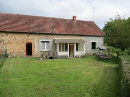 2-bedroom house with pretty garden and vegetable plot