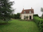 Detached 3-bedroom house with barns and land (1.4 acres or 5765m2)