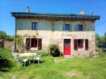 Nice renovated house with maisonnette and big closed hangar