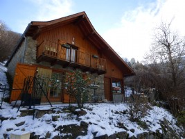 Authentic chalet, 3 bedrooms, renovated and furnished, land 6584 m².