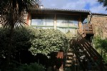 *Spacious winegrowers house with nice garden .