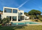 *An exceptionally upmarket location in Cap d'Agde! Sea views from Port to the Pyrenees!