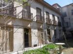 *Elegant Town House to renovate with garden