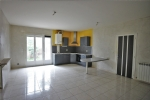 *Central Beziers 2 bedroomed apartment with a garden.