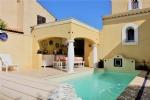 *226m² Villa pool and lawn garden