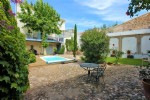 *Rare bourgeoise house, Pezenas sector with courtyard garden,pool and gite!
