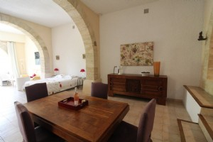 *Spacious appartment with garden in 18th century Domaine*