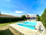 Surprising property on 2500m2 of land with pool and outbuilding!