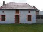 Detached hamlet house near amenities to refresh