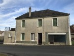 Town House in lively Chaillac with garden & Outbuilding