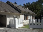 Detached hamlet house near amenities