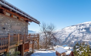 Authentic 6-bedroom chalet near Bourg St Maurice - Paradiski