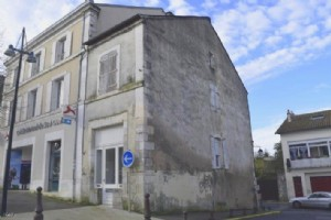 Building With Ground Floor Offices And Potential for Apartment Above- In The Town Centre Of Ruffec