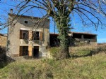 Country House to Renovate. Attached Barn And Glorious Views. On 2 Acres