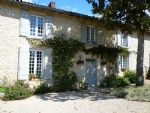 Beautiful 15th Century 'Logis' With Gîte And Swimming Pool