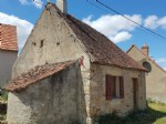 Near Prissac: nice old house to refresh with small courtyard and garden