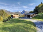A spacious 7 bedroom chalet, built in 2007. Located in L'Etelley, a hamlet of Samoens