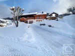 Spacious, Savoyarde style chalet, just a few metres from the pistes.
