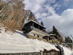Centrally located, 3 bedroom chalet with south facing terrace.