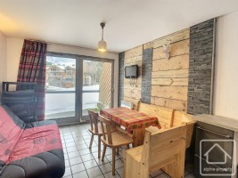 Charming studio with 'coin montagne', fully renovated, in a quiet yet central location.