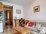 Attractive 3 bedroom apartment with south-east facing balcony