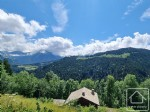 A sunny plot with fantastic views, in a pretty and peaceful location