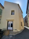 Village house to refresh with 100 m² of living space, attic to convert and roof terrace.
