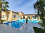 Very nice character villa with 210 m² living space on 2810 m² of land with pool.