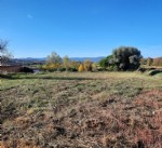 Flat building plot of 1000 m² with superb views.