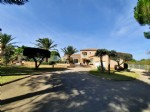 Superb traditional and high quality villa on 2573 m² of land with pool, annex and tennis court.