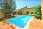 Stone winebarn converted into an habitation with barn and garage, on a 506 m² plot with pool.
