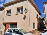 Spacious village house with 5 bedrooms and a terrace in the heart of the village.