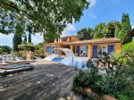 Nice character villa with 150 m² of living space on 842 m² with pool and exceptional views !