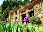 Magnificent stone barn with 6 bedrooms on 4 hectares of land. Work to foresee. Unique !