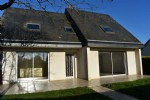 Bright pavilion less than 10 minutes from the center of mayenne, a town with all services.