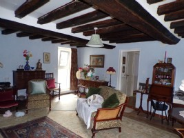 Charming longere of 118 m2 with outbuildings 25 minutes from mayenne and 15 minutes from bagnoles d