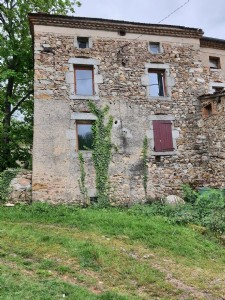 Ris, country house 84 m2 to renovate
