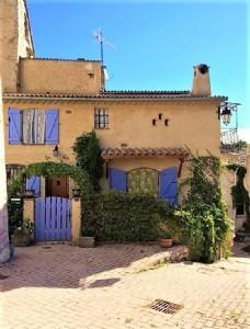 Charming village house in briançonnet