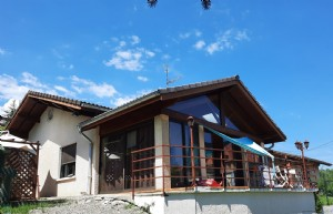 Detached house - 150 m² (170 m² useful) - 5 rooms - 3 bedrooms - land of 942 m²
