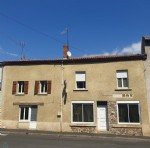 192m2 village house in a quiet area.