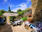 3-bed character house 200 m² - private garden with on-ground pool located just opposite