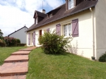 Charming pavilion of about 117m2 on 100 m2 of basement and on 600 m2 of land with 2 bedrooms on the