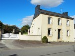 Pleasant 5 bedroom house with large outbuilding 70 m2 and beautiful land